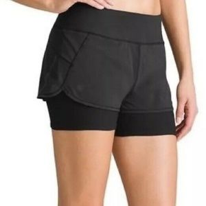 Athleta Shorts Size L Womens 2 in 1 Pulse Shortie